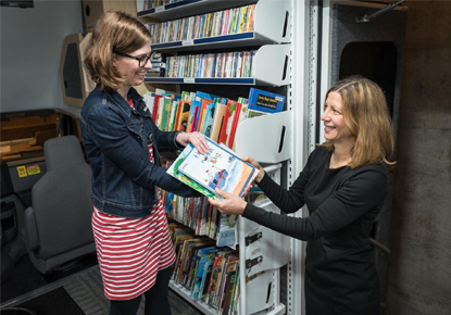 patrons using bookmobile